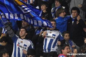 Aficionados de la Real, en Anoeta (foto: RS.com).